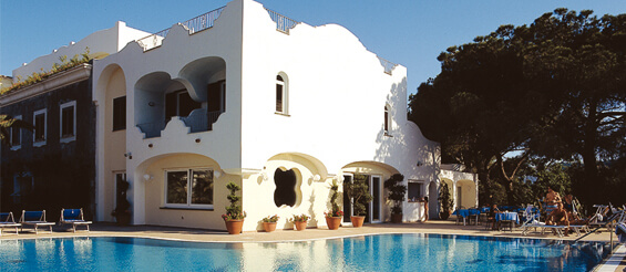 Hotel terme felix for Finestra termale
